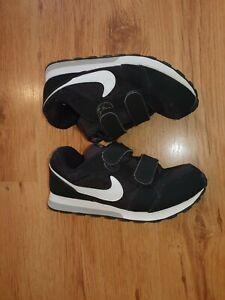 Nike Schuhe gr 33