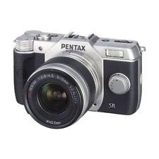Near Mint! Pentax Q10 with 5-15mm f/2.8-4.5 Silver - 1 year warranty