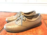 Easy Spirit Motion Lace up Oxford Women Size 8.5 Narrow Nude Leather