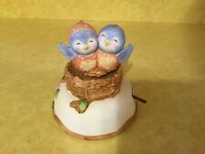 Vintage Porcelain Enesco Musical Blue Birds in Nest Figurine (Cc64)