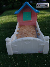 RETIRED LITTLE TIKES STORYBOOK COTTAGE CHILD SIZE TODDLER BED VERY NICE CONDITIO