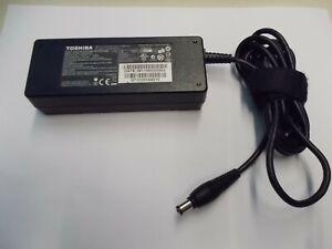 Power Supply Toshiba PA3755E-1AC3, 15 V, 5 A, # K- 238-9