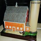 LIGHTED WARM BARN FOR SCENES & MANTLE, hand painted; HO model railroad train toy