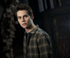 Dylan O'Brien UNSIGNED photograph - M6136 - Teen Wolf - NEW IMAGE