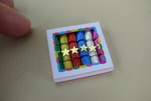 1/12th dolls house - BOX OF CHRISTMAS CRACKERS - SG