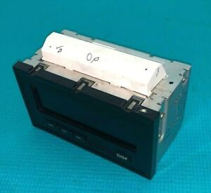 04-05 Mitsubishi Endeavor Information Display Radio Screen Clock OEM MR576033