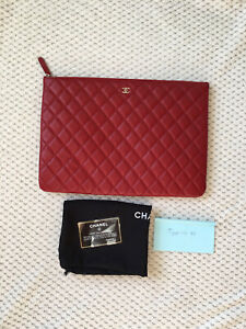 1800$ AUTH Chanel O case Large Leather clutch bag