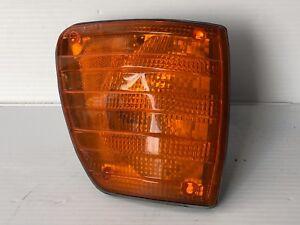 1973 -1980 Mercedes-Benz 300SD 450SE 450SEL Front Blinker Lamp Unit OEM