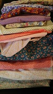 JOB LOT - VINTAGE MAINLY FLORAL FABRIC REMNANTS, various sizes. Quilting Crafts