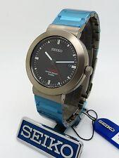 Seiko Titanium v732-0p00 RIF: skg189p1 BOX & Papers Leggeri Stile Militare Watch