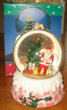 Scenic Christmas Holiday Santa Tree Snow Globe 100mm Hand Crafted Resin 1992