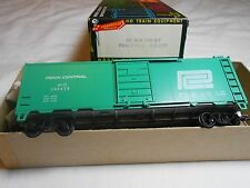 Ho Train Roundhouse 40' Steel Boxcar Kit Penn Central Assembled Knuckle Couplers