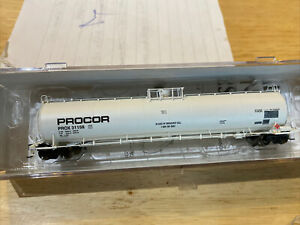 Athearn N Scale UTC 33k LPG Tank Car New