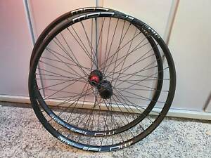 Stans Flow S1 wheelset (near new) 27.5 Boost