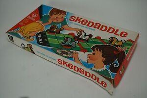 Vintage 1965 Cadaco SKEDADDLE The Game of Hurdles No. 259