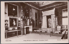 Middlesex Postcard - King William's Bedroom, Hampton Court   RS8750