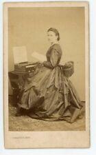 PHOTO CDV Sabatier Puy 1860, une musicienne pose piano harmonium orgue