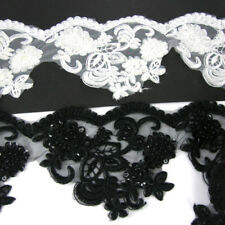 Ribetes de costura y mercería color principal negro vestido de novia
