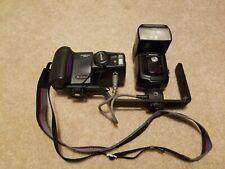 Nikon COOLPIX 990 Digital Camera w/ SB-28DX Speedlight & SK-E900 Bracket
