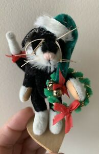 "LITTLE GEM TEDDY BEARS "" Felix "" CHRISTMAS CAT w Santa Hat & Wreath DEB CANHAM"