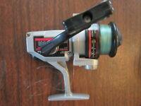 Vintage SHAKESPEARE OMNI  040 2200b Series Spinning Reel 4.6:1 gear