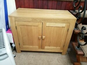 Sideboard Genuine Oak Wood Piece of Furniture, one shelf, two doors, very good