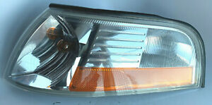 OEM FORD 03-2005 Mercury Grand Marquis Parking Lamp Assy WITH Bulbs & Harness