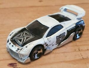 HOT WHEELS - CLASSIC 2000 MS-T SUZUKA WHITE TECH TUNERS CAR