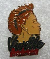 Pin's Produit de Beauté VIVELLE Mega volume coiffure cheveux #E2