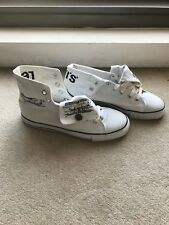 Vintage Mens LEVI'S Indie Hi-Top Trainers - Size 43 - Canvas Sneaker - White