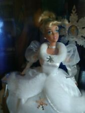 New 1996 Walt Disney's Cinderella Holiday Princess Barbie Mattel # 16090 Nrfb
