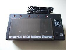 MW Universal Ni-CD Batterie Ladegerät, Mod. MW398GS,  f. 4 Akkus,  #K-66-7