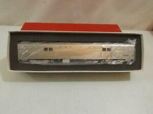HO Soho brass Santa Fe unskirted baggage car in original box