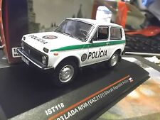 LADA Niva 4x4 SUV VAZ 2121 Slovak Polizei Policia Police 118 IST IXO 1:43