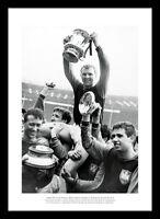 West Ham United 1964 FA Cup Final Bobby Moore & Team Photo Memorabilia (695)