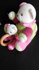 doudou peluche musical ours + bébé rose et vert brodé coeur KALOO