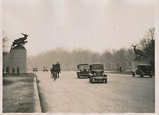 PARIS c. 1930 - Autos Circulation Chevaux Boulevard Parisien Statues - PRM 638