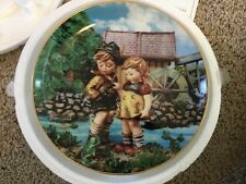 M.J. Hummel Hello Down There  Plate LITTLE COMPANIONS New in Box #MK3172