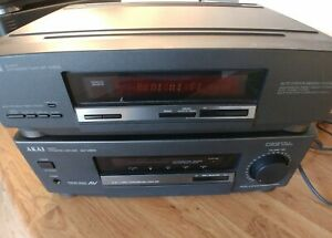 Akai AT-M600 Quartz Synthesizer Tuner and AM-M600 Amplifier