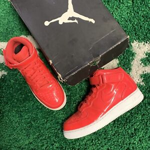 2018 NIKE AIR FORCE 1 MID LV8 UV SIREN RED PINK PATENT LEATHER WHITE Size 10