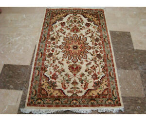 Rectangle Area Rug Ivory Medallion Flower Hand Knotted Wool Silk Carpet (5 x 3)'