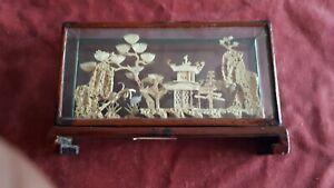 China Korkschnitzerei im Glaskasten, alt, Tempel, Reiher