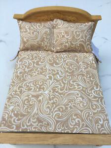 Miniature Dollhouse Bedspread Comforter 2 Pillows 1:12 scale Swirl  creamy beig
