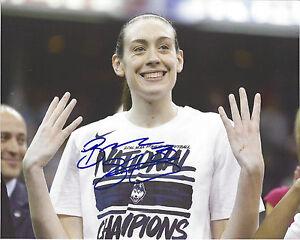 BREANNA STEWART Signed 8x10 Photo WNBA Basketball Storm UCONN Huskies Champs 4X