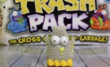 Moose Toys - Trash Pack Trashies Series 5 - Gray Snotty Schnitzel #851 - Common