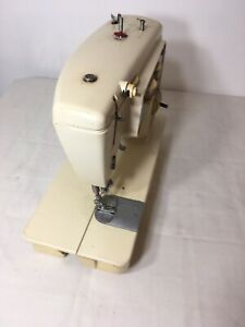 SINGER Stylist Zig-Zag Sewing Machine Model 774 AS IS  No Pedal So Untested