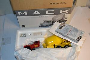 First Gear Mack R-Model Mixer, Bard. New in Box, NRFB 1/34 19-2267