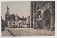 """CPA """" AVALLON - Eglise Saint Lazare et la Tour de l'Horloge"""