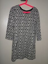 GIRLS GAP VERY PRETTY NAVY & CREAM  KNITTED PARTY SMART DRESS 8 YEARS VGC
