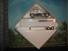WINROSS 1/64 U S A EASTERN TRACTOR AND TRAILER *